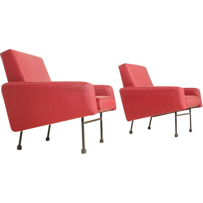 Pair of vintage G10 armchairs for Airbone in red vynil and metal