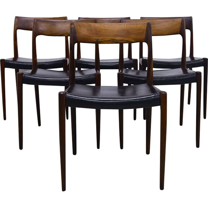 Set of 6 black chairs in rosewood by Niels Moller