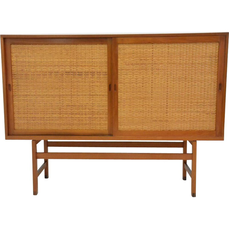 Vintage cabinet by Hans Wegner for Ry furniture