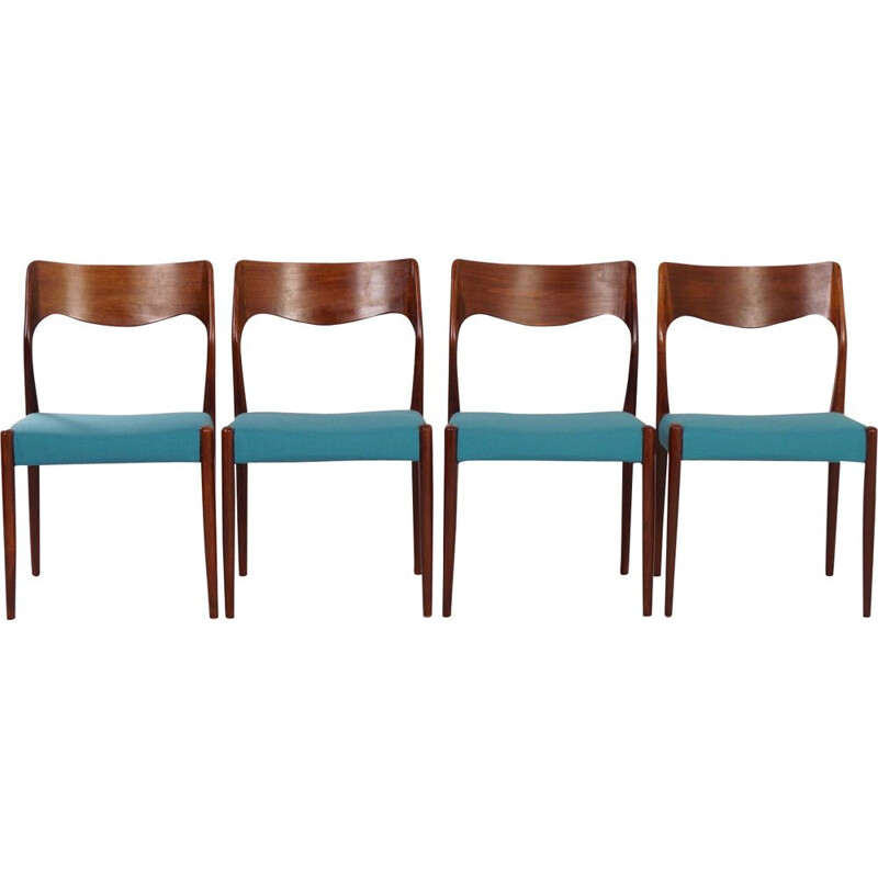 Set of 4 vintage chairs in rosewood model 71 by Niels Moller