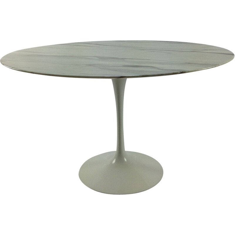 Vintage table in marble by Eero Saarinen for Knoll International