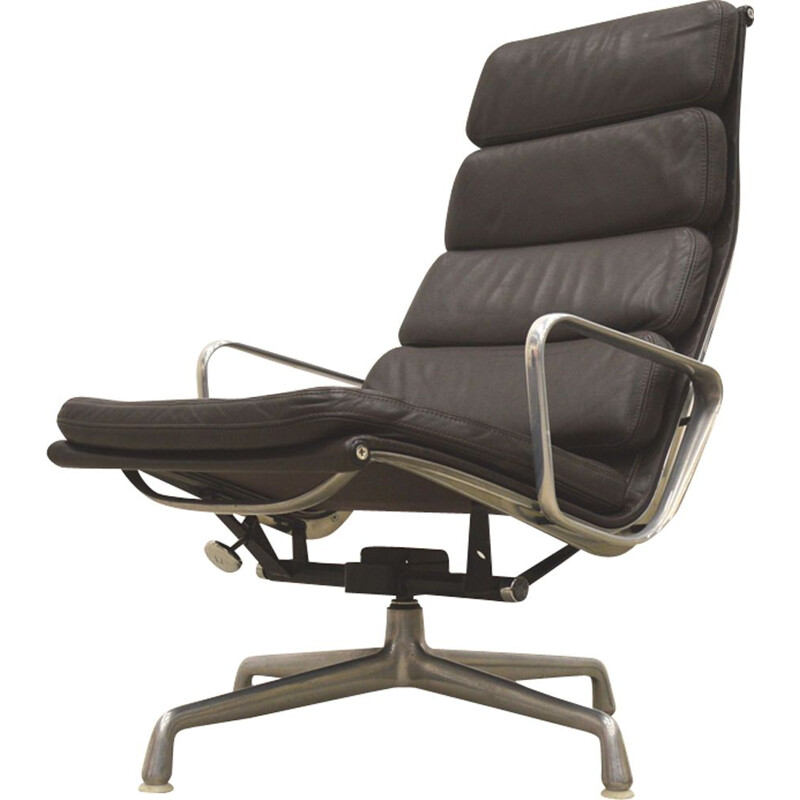 EA222 lounge chair by Charles Eames for Herman Miller