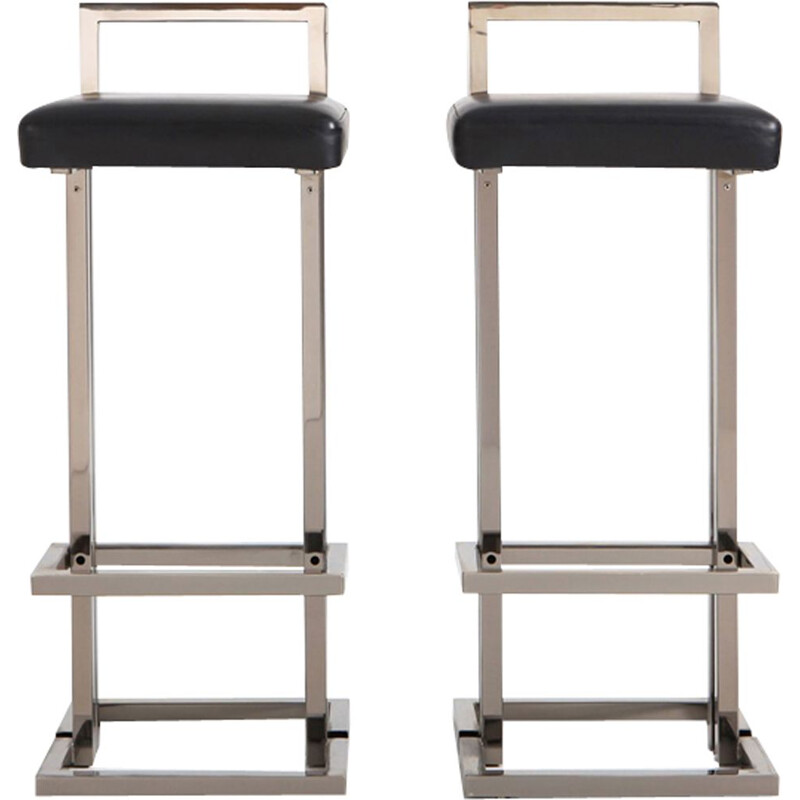 Set of 2 vintage bar stools in chrome and black leather by Maison Jansen