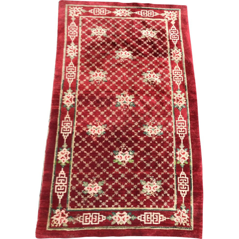 Red Tibetan rug in wool