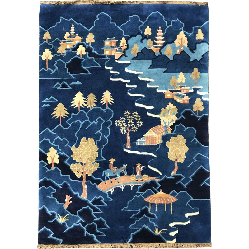 Blue Chinese carpet in wool