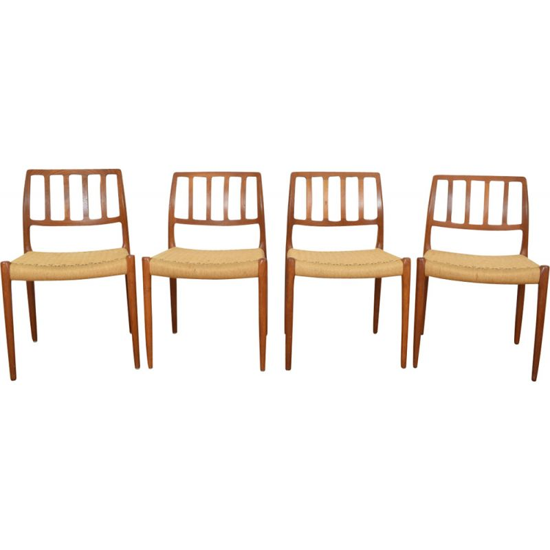 Set of 4 vintage chairs model 82 by Niels Otto (N. O.) Møller for J.L. Møllers