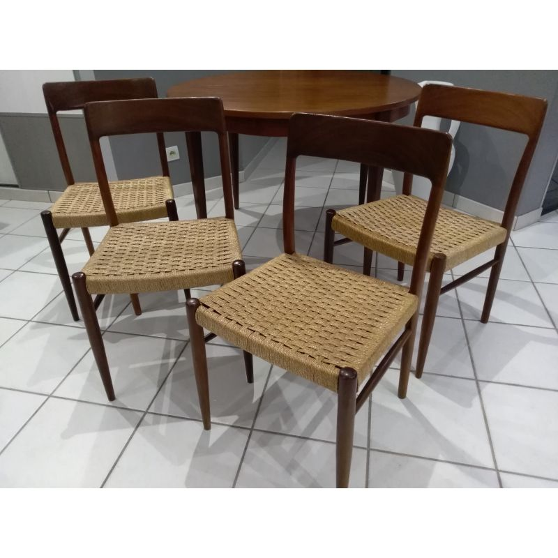 7a2dc159ca7e Set of 4 vintage Scandinavian dining chairs by Niels Otto Møller - Design  Market