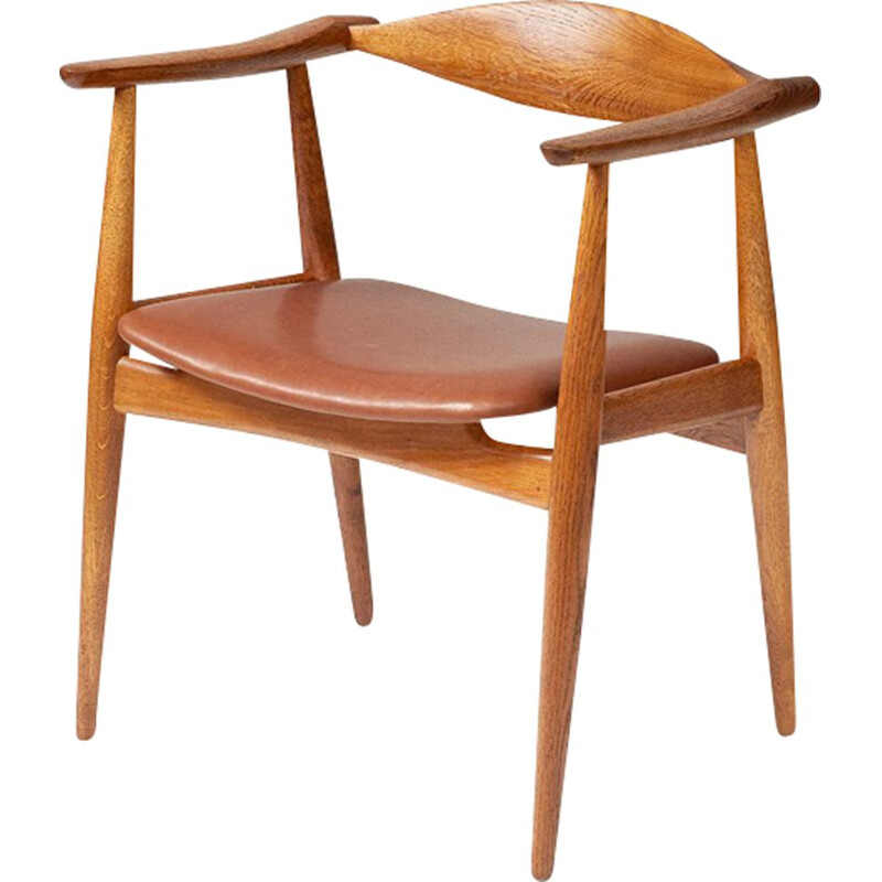 CH-35 chair in oak by Hans J. Wegner
