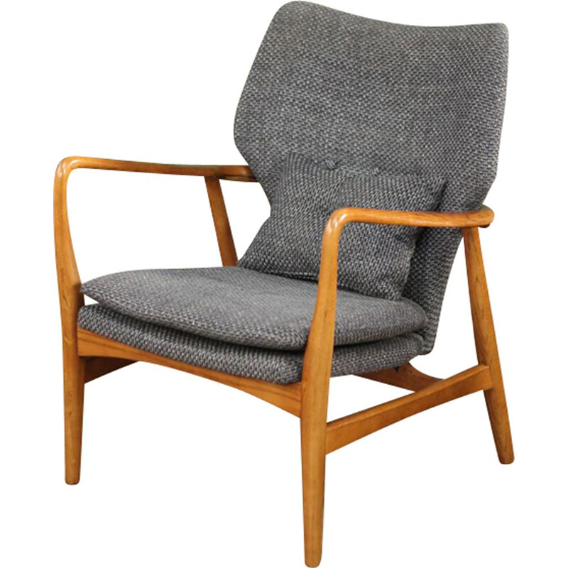 Vintage back armchair by Aksel Bender Madsen