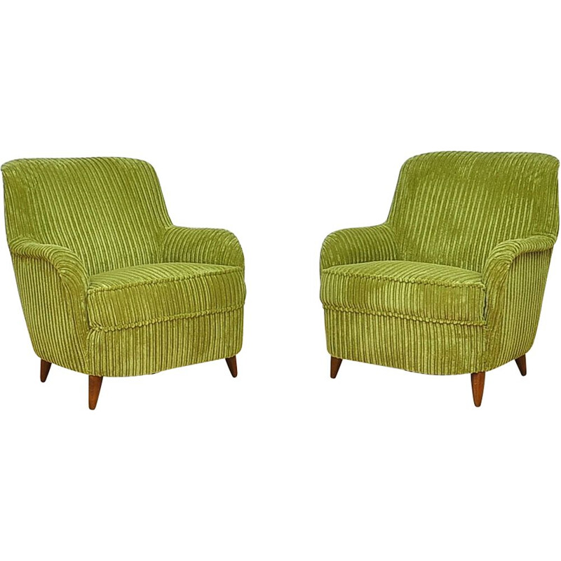 Set of 2 vintage green lounge chairs