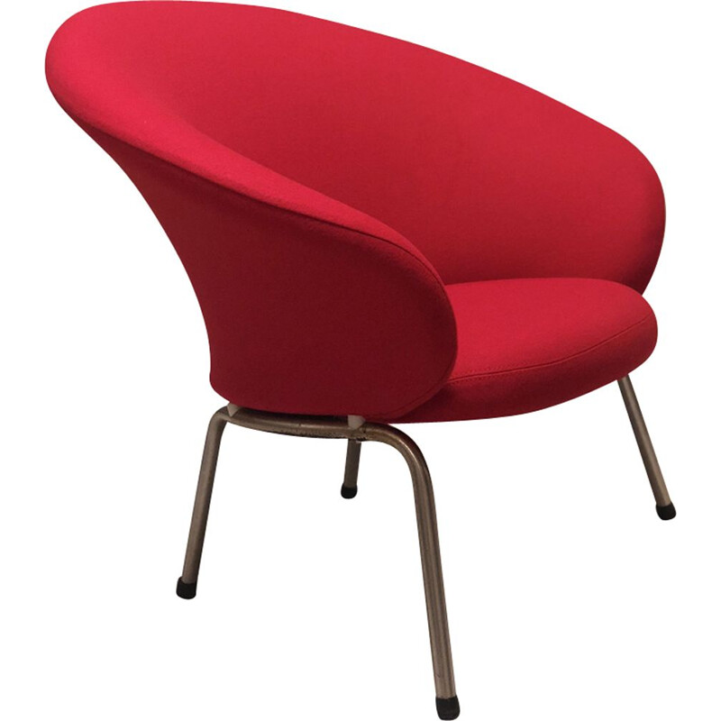 Vintage red armchair 570 by Artifort