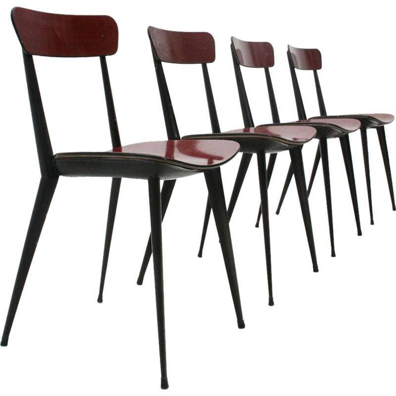 Set of 4 red chairs in metal