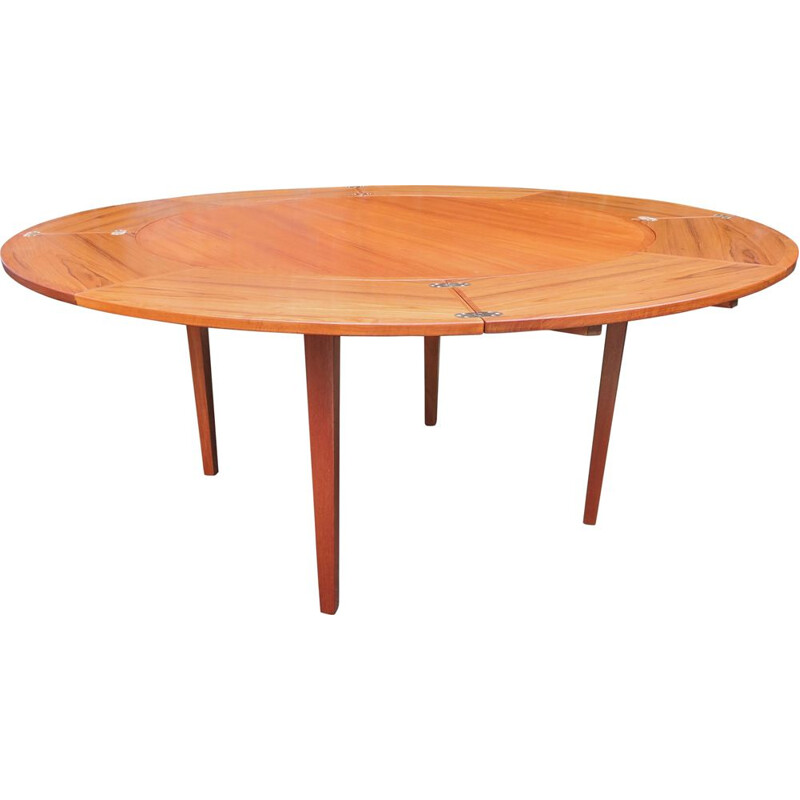 Vintage extendable table in teak by Dyrlund