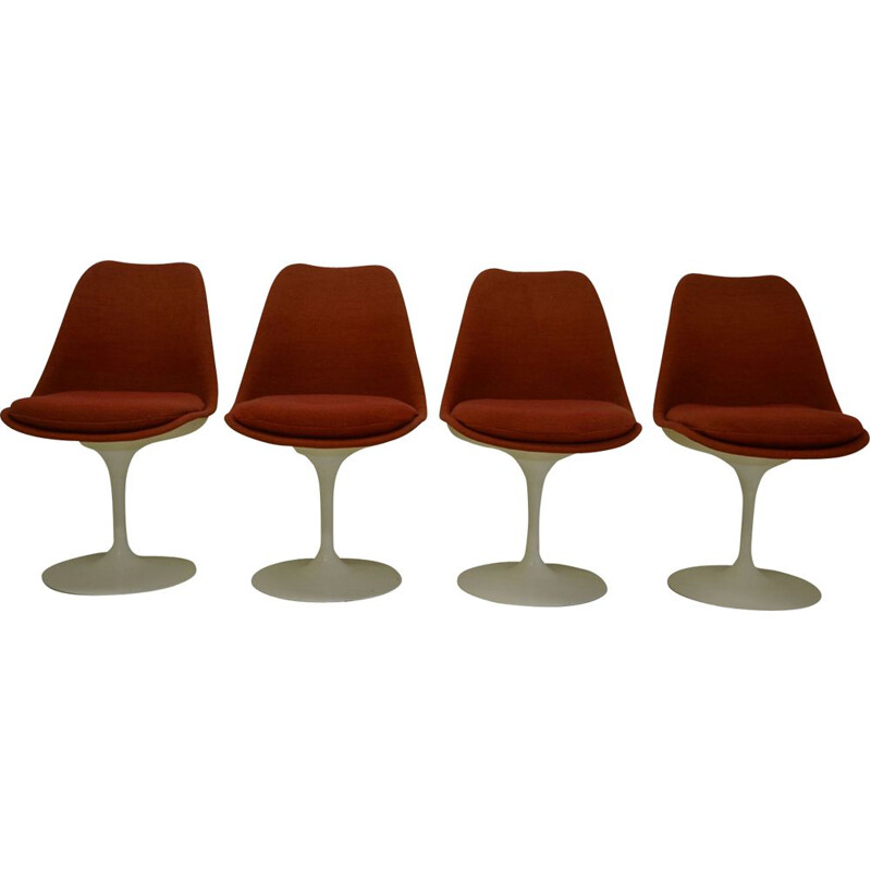 Set of 4 vintage red Tulip chairs for Knoll in fiberglass and fabric