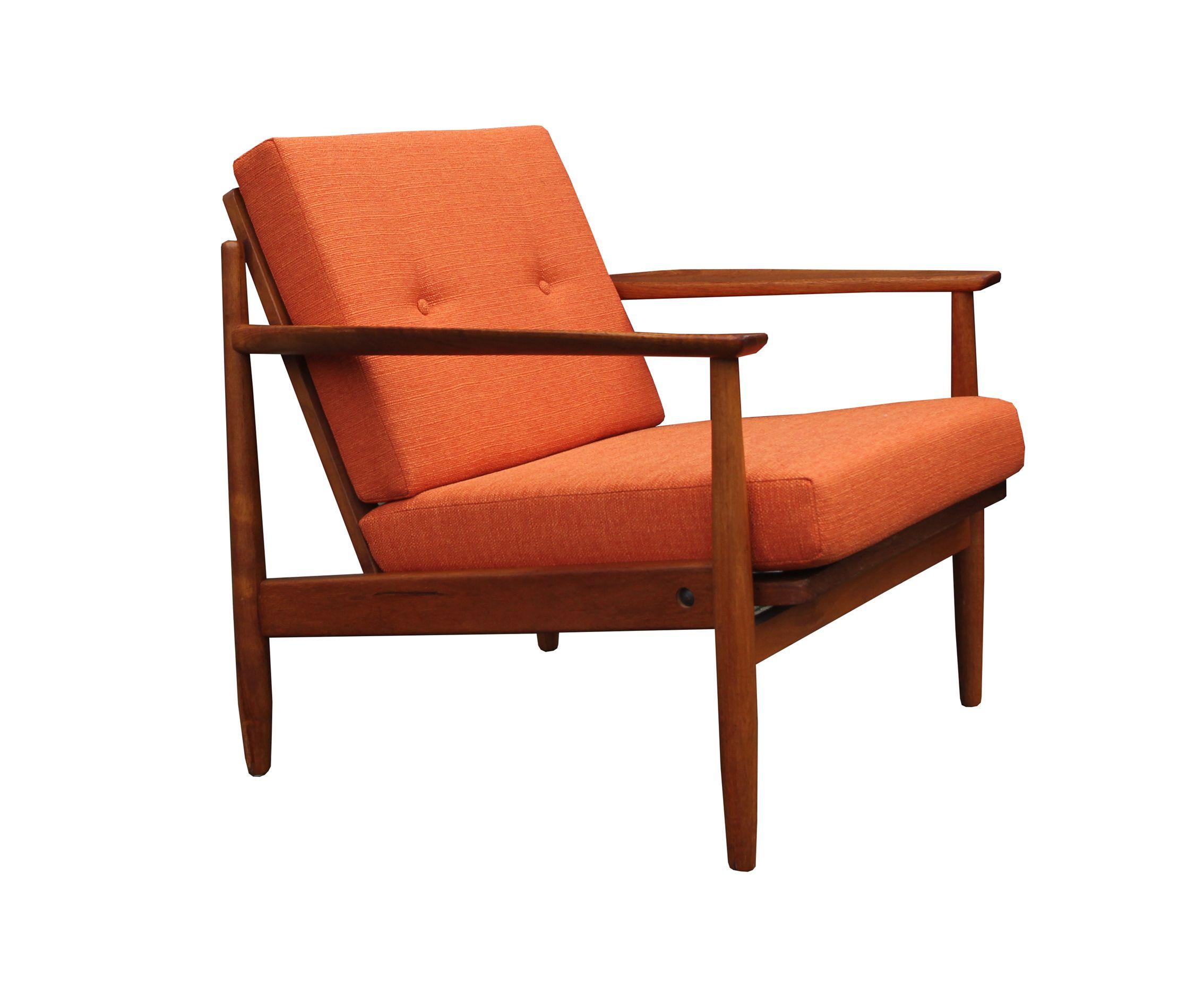 Vintage orange armchair in teak - Design Market