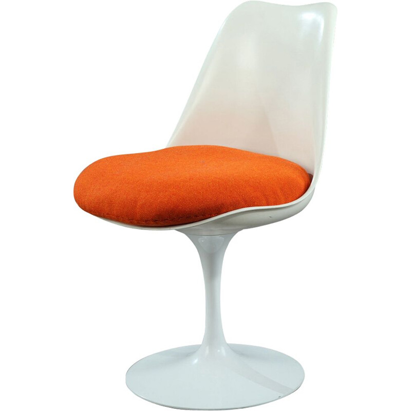 Vintage Tulipe chair by Saarinen fo Knoll in orange fabric and white metal