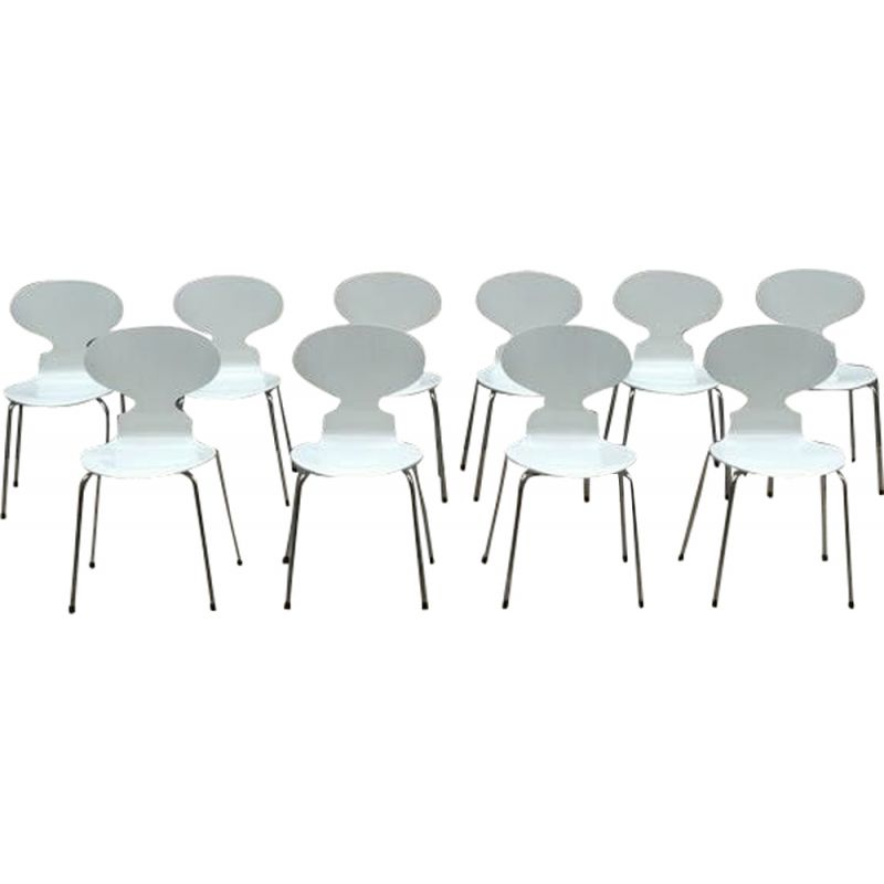 Set of 10 vintage Fourmi chairs by Arne Jacobsen in metal 1970