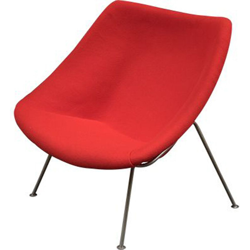 Red vintage Oyster chair by Pierre Paulin