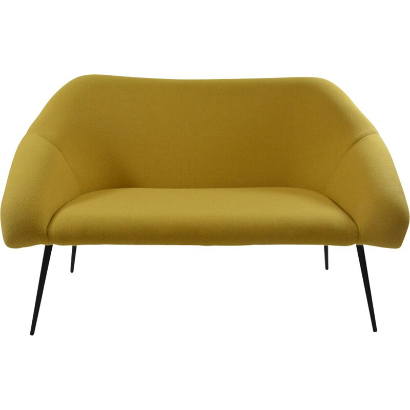 Banquette coquille jaune chiné €1,250.00