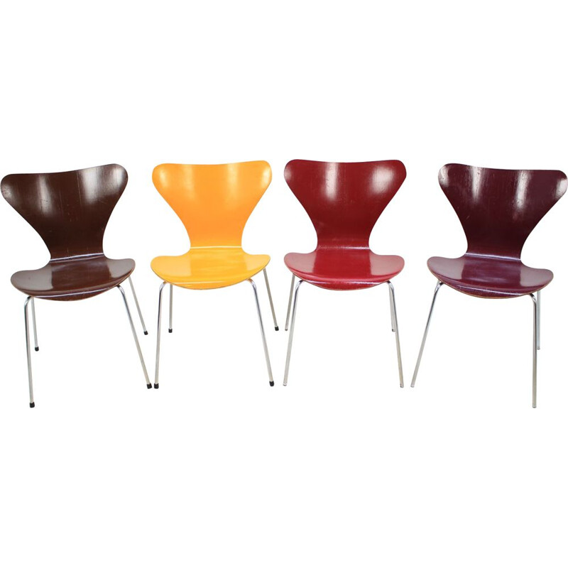Set of 4 vintage Series 7 chairs for Fritz Hansen in wood and metal