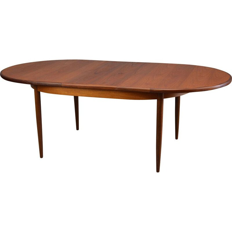 Oval extendable table in teak by G-Plan