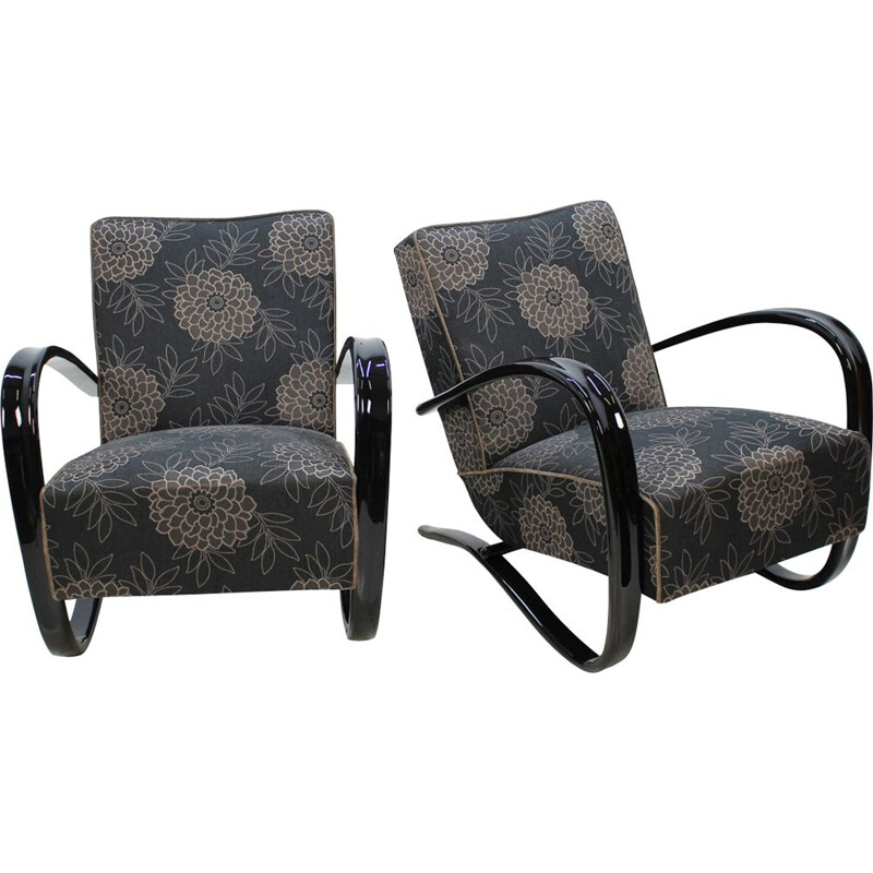 Pair of black H-269 armchairs by Jindrich Halabala