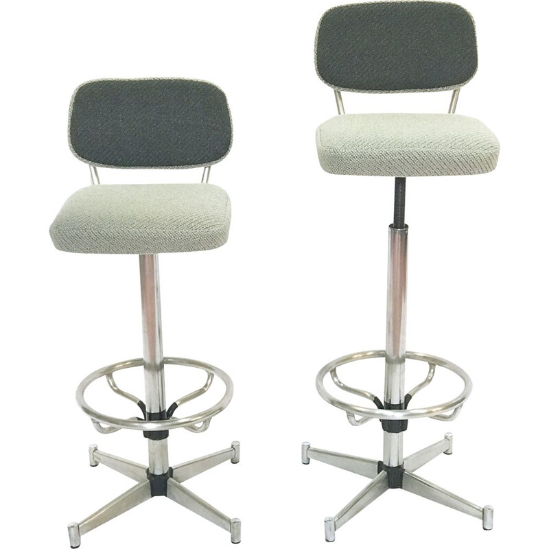 Set of 2 vintage bar stools