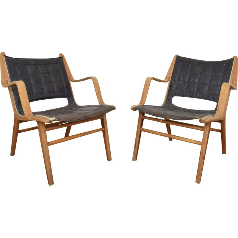 Pair of Ax chairs by Hvidt & Molgaard