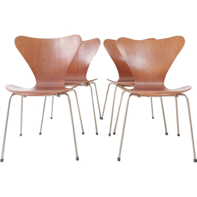 Vintage Set of 4 dining chairs Series 7 by Arne JACOBSEN - 1955