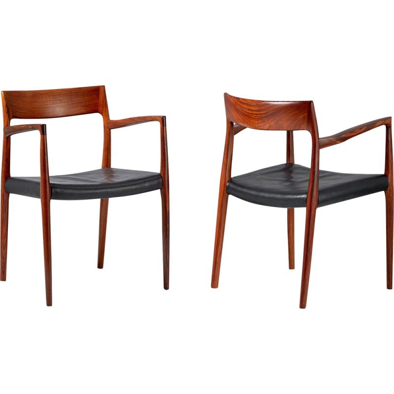 Set of 2 vintage model 57 chairs for Moller in black leather and rosewood