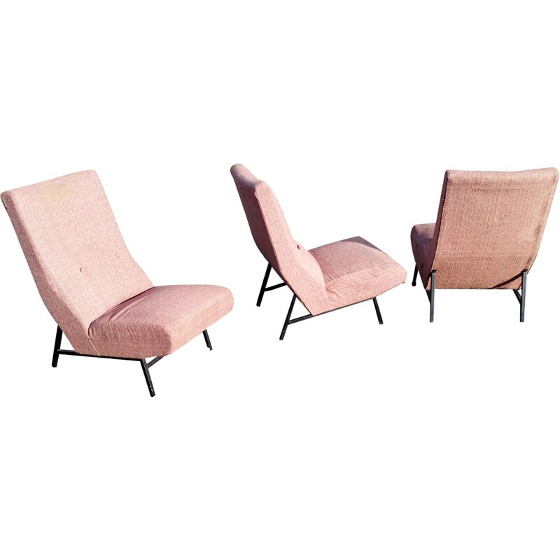 Set of 3 vintage low chairs without arm for Delor in pink fabric 1950