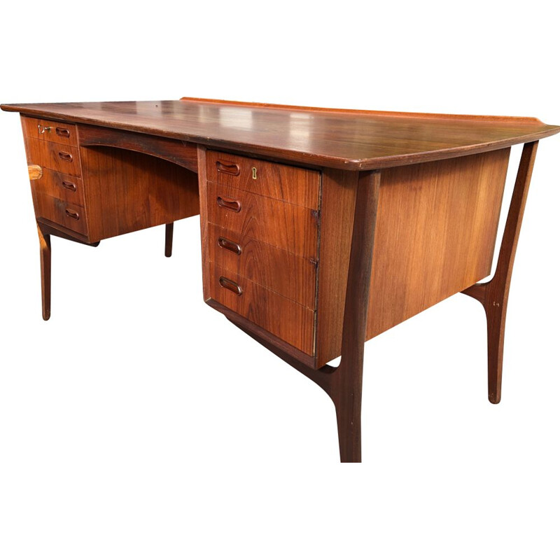 Vintage desk in rosewood by Svend Aage Madsen for H.P. Hansen