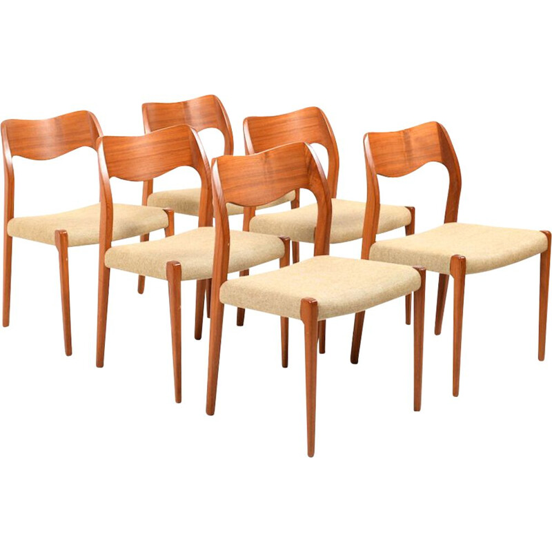 Set of 6 vintage Model 71 chairs by Niels O. Moller