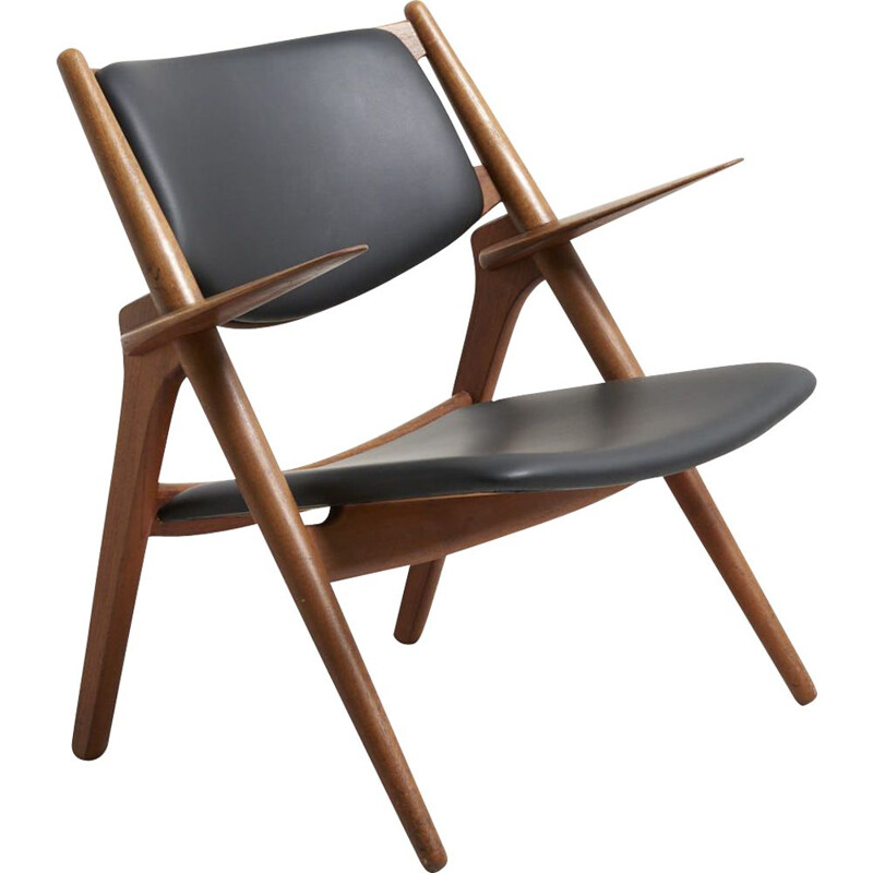 CH-28 chair in oakwood by Hans J. Wegner