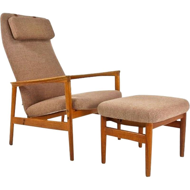 Vintage Lounge chair & Foot stool in Oak, Danish 1950s