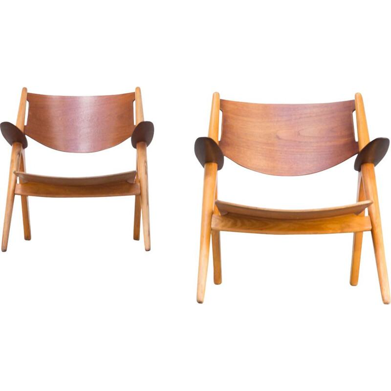 """Pair of vintage dining chairs by Hans Wegner model """"0CH28T """"for Carl Hansen & Son, 1950"""