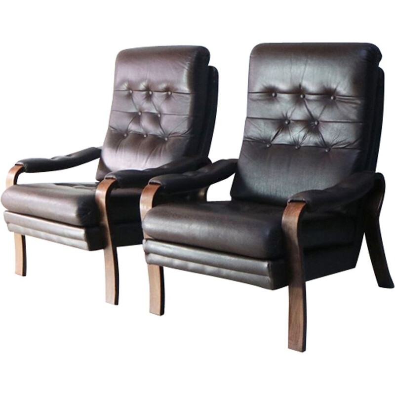 Pair of Danish armchairs in leather