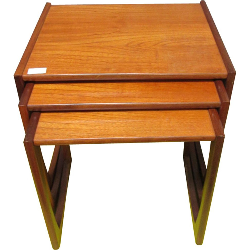 Vintage nesting tables in teak Quadrille by R. Bennett for G-Plan 1970s