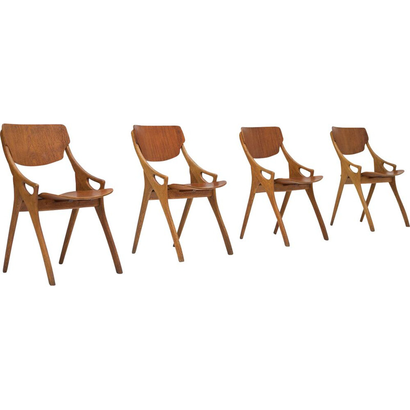Vintage set of 4 dining chairs in oak by Arne Hovmand Olsen,1958