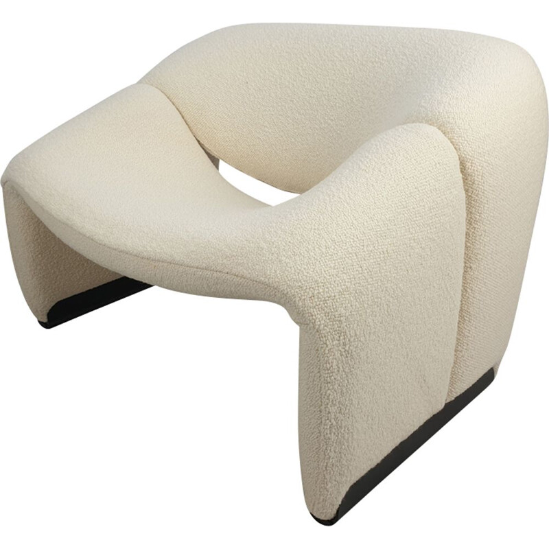 Vintage F598 Groovy armchair for Artifort in white fabric and metal 1980
