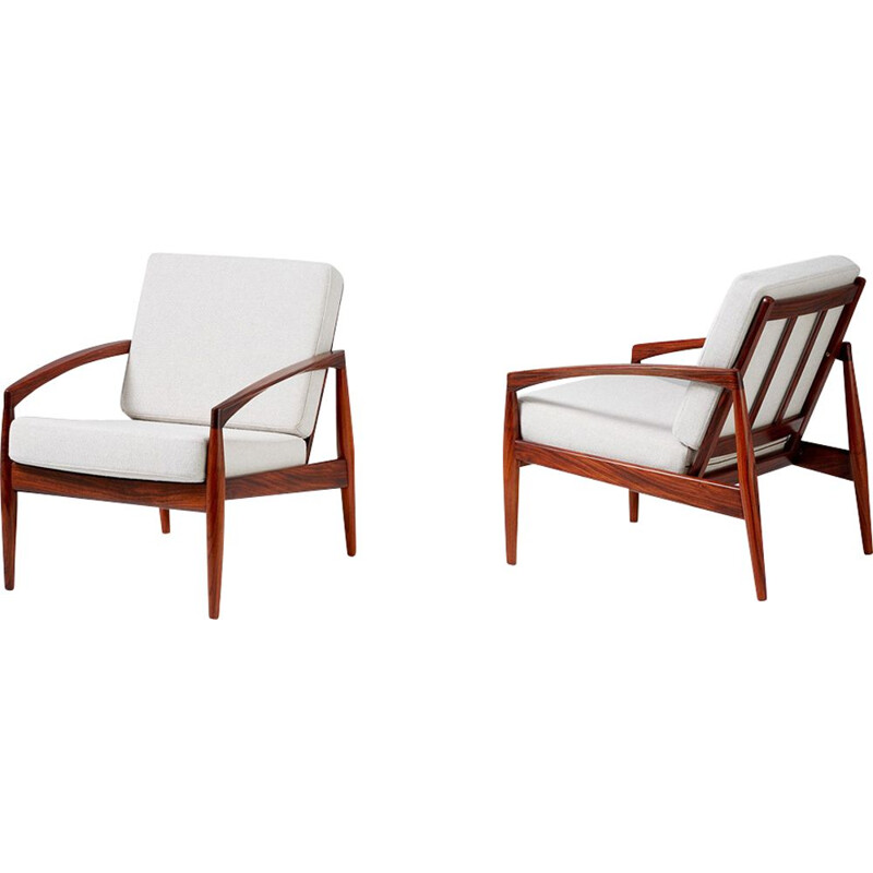 Pair of vintage 121 armchairs for Magnus Olesen in white fabric and rosewood