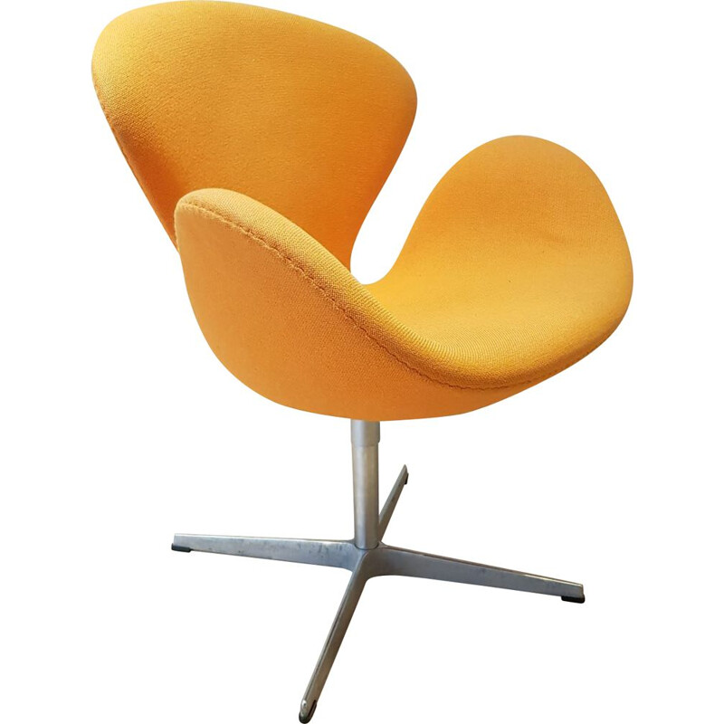 Orange Swan chair by Arne Jacobsen for Fritz Hansen