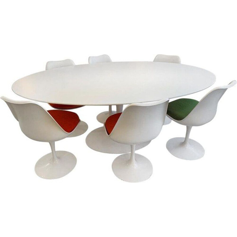 Tulip dining set by Eero Saarinen