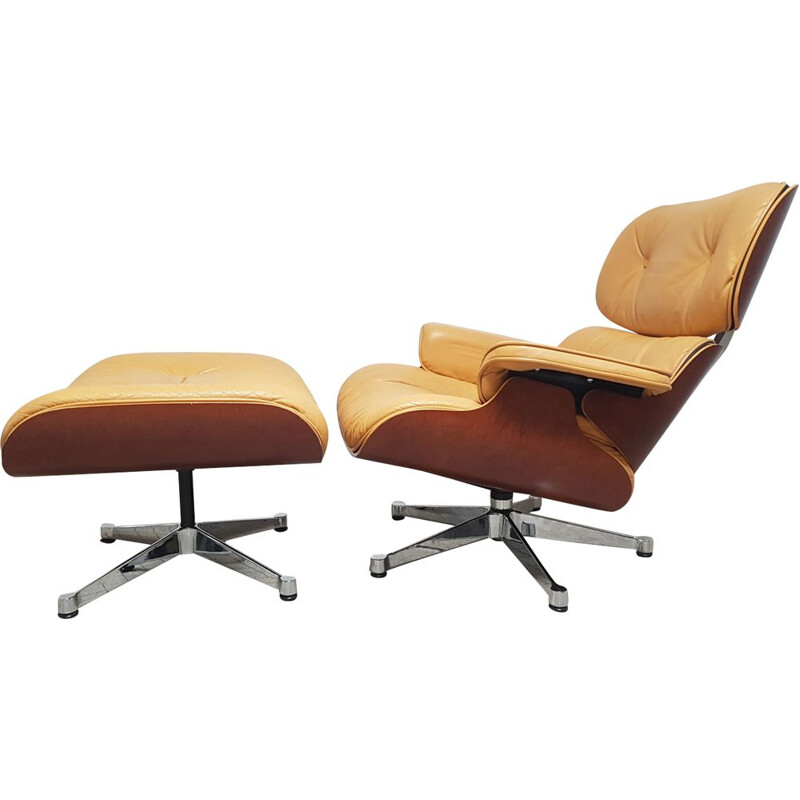 Vintage Lounge chair by Eames for Vitra in leather and wood