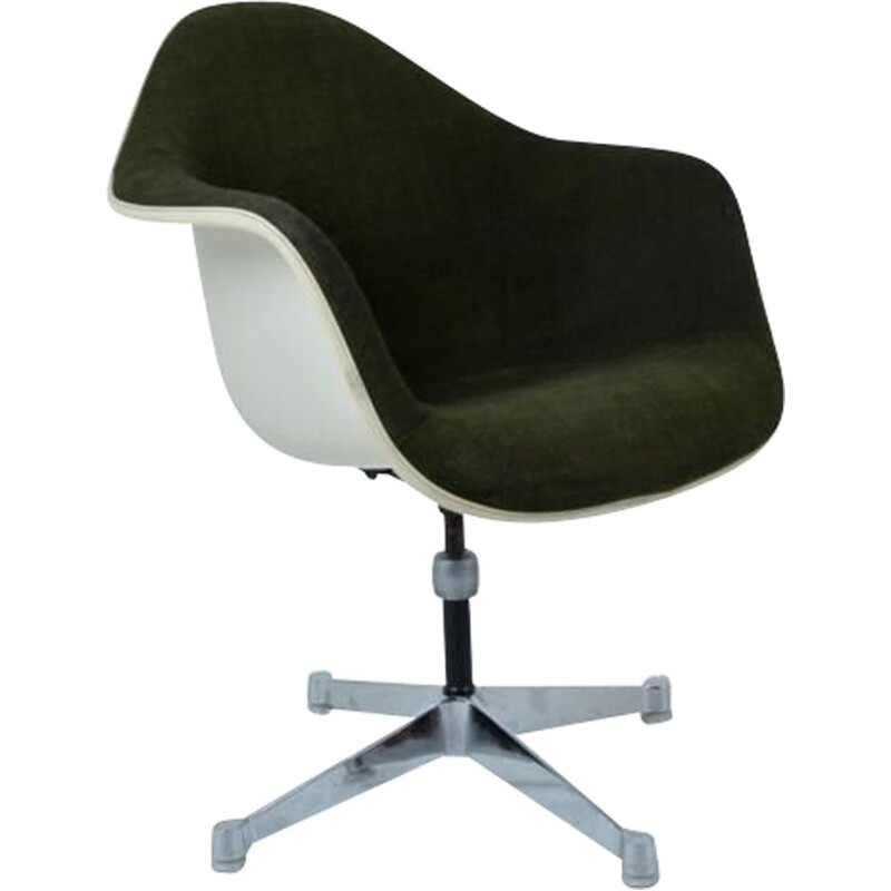 Vintage desk chair swivel by Charles and Ray Eames Herman Miller Edition 60s