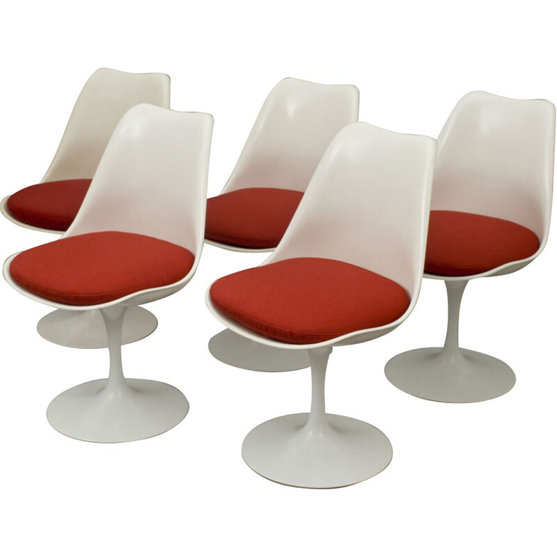 Set of 5 Tulip chairs by Eero Saarinen