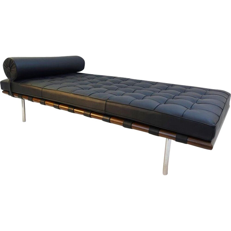 Barcelona daybed by Mies van der Rohe for Knoll
