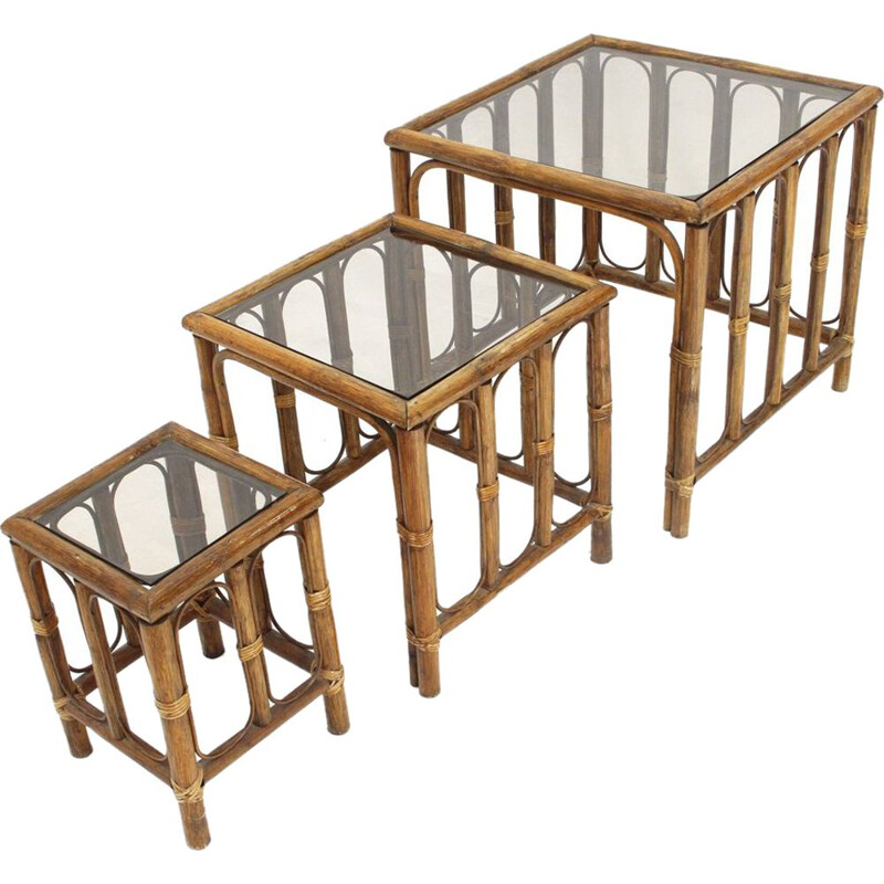 Vintage italian nesting tables in rattan 1970s