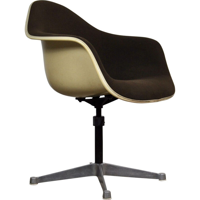 Vintage armchair by Eames for Herman Miller in fiberglass and metal 1970 n