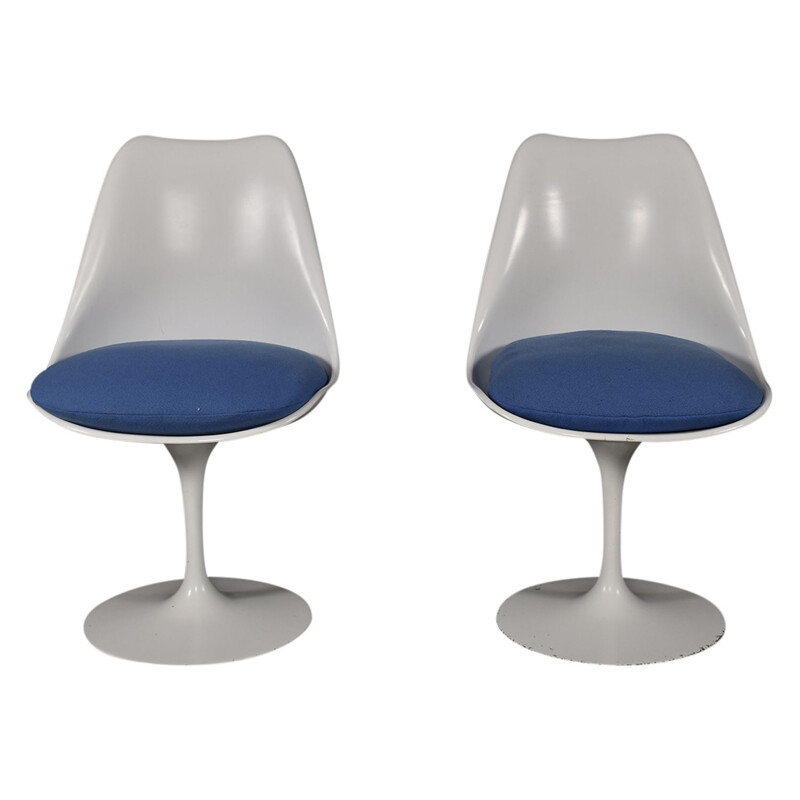 Set of 2 vintage Tulip chairs by Eero Saarinen for Knoll